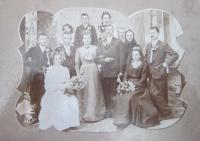 The wedding of his parents František Aust and Marie Kašparová in Hrabenov in 1930