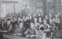 The third grade of elementary school in Šumperk in 1930.