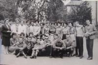 Daruše Burdová (far left) with her classmates