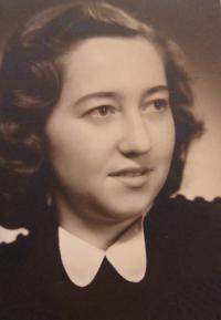 Daruše Burdová in 1943