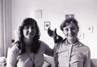 Kristina Cerna with sister