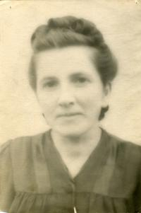 Photo of Mrs. Maria Mykytka for Passport. Khabarivskiy edge. 1956.