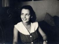 Andrea Nikolits, 1953