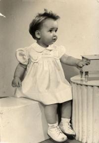 Nikolits Andrea's daughter, 1954