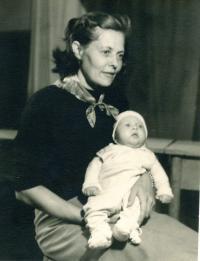 Kamil Černý with mother (1950/1951)