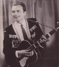 Stanley Nova in the beginnings of his music career
