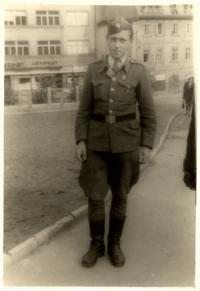 JOSEF HASINEC, PRAHA 1945