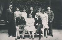 Unknown women sitting, Marie Czerninová, Theobald Czernin, standing from left: Humprecht, Gabriela, Rudolf, Marie, Anna and Jan Czernins