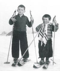 1938 with his sister Hedvika