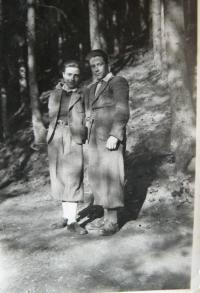 Otto with his younger brother Ivan in camp Vyhne, 1943