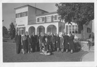 Hana Benešová and her farewell with friends and staff members, Sezimovo Ústí, September 1948. Františka Jeřábková in short sleevs behind Mrs. Benešová