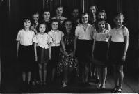Girls from the dance class of Mobi Urbanová