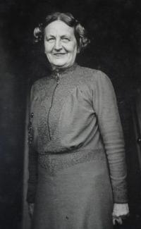 Ruth Hálová's mother