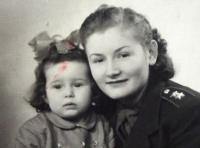 Jiřina Jiráková - contemporary portrait with daughter - 1948