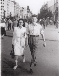 Prague 1945, R:Dolecek with his mother