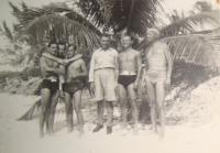 Training in Bahamas, Jiří Pavel is the first from the left, Pavel Vranský is the second from the left side