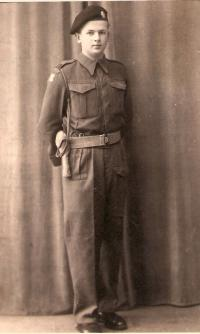 Adolf Kaleta-Southampton 1944