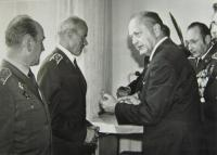 Jan Ihnatík receiving a decoration