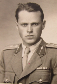 Jan Ihnatík in the army - 1950s