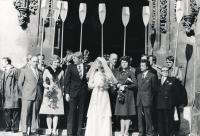 Newly-weds Vladek and Vladimíra Lacina on their wedding day, accompanied by rowers, 1975
