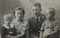 Michal and Anna Mihálik with their children (40s)