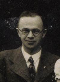 Učitel Vošmik, obecná škola Olbramovice, cca 1938