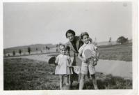 Zdena, Eva and Vladimír Tejček in 1936 in Příbram