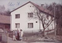 the barn in Prlov in the background, where the Hušť's family hide partisans
