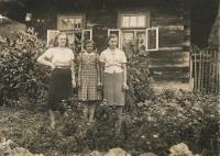In Prlov - Marie, Ludmila and Anežka Hušť