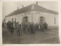 Rodinný obchod Brodových v Bučících, odkud pocházel otec