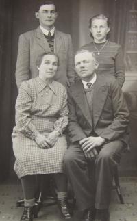 His wife Marie Brixová's family in Bílý Potok