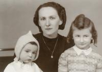 Miroslav Tyl with his mother and sister