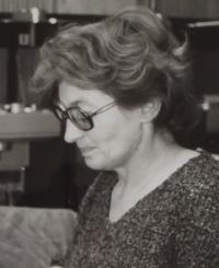 Jitka Borkovcová - Contemporary portrait - the cut