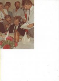 Jaroslav Haidler and Václav Havel in 1990
