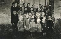 Sunday class in Boratín, 1944