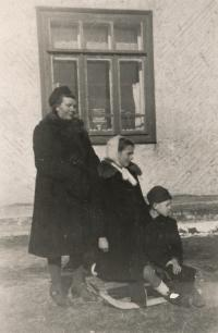 With mum Eugenie born Kendíková and brother Lubomír, 1946