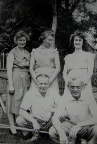 Family meeting; uncle Vítovec on left, the father on the right, on left an aunt Vítovcová, sister on the right; Masákova Lhota (region Prachatice); earliest in 1960