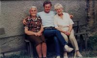 Joseph with granny and aunt in Masákova Lhota in the region Prachatice in 1991