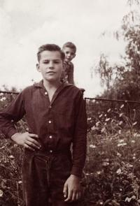 Ivan Landsmann (in the Front) and His Brother Vít (Luka nad Jihlavou, ca. 1963)