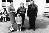 Jana Andrlíková with her parents and daughter, mids 1960s
