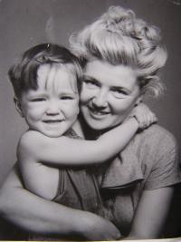 Gaydečková Anita with her son Míťa 1950