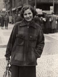 Anna Tesařová, around 1946