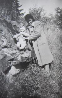 Blanka Andělová as a toddler with his mother