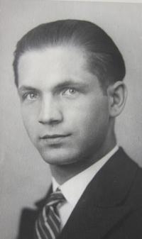 Graduation Photo father Ladislav Prokes of 1928