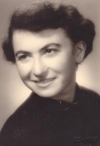 Zdena Faltusová Uhlířová 20 years old
