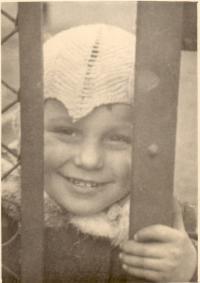 Childhood in Slezské předměstí (Silesian suburb) in Hradec Králové
