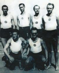 Družstvo VPK Radbuza, zprava první dřepící Vladimír