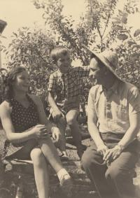 With her mother Emílie and her father Jaroslav, their last photo together before her mum's arrest, summer 1944