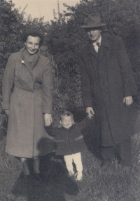 Mr and Mrs Havlůj with their son Tomáš – the last photo before Miluška's arrest, Easter 1953