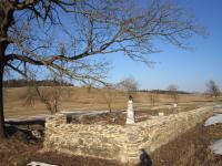 Graveyard in the defunct village Štolnava (Prameny, Stollenhau in German).
